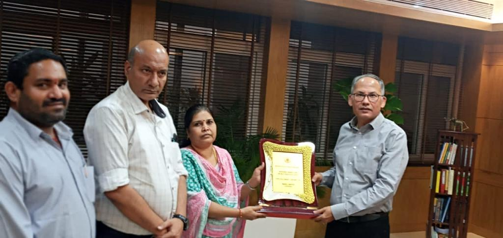 NMDC bestowed with the National HR Best Practice Award by NIPM